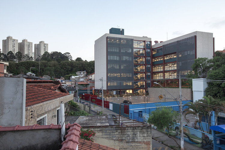Senac Taboão da Serra / André Vainer Arquitetos, © Everton Ballardin