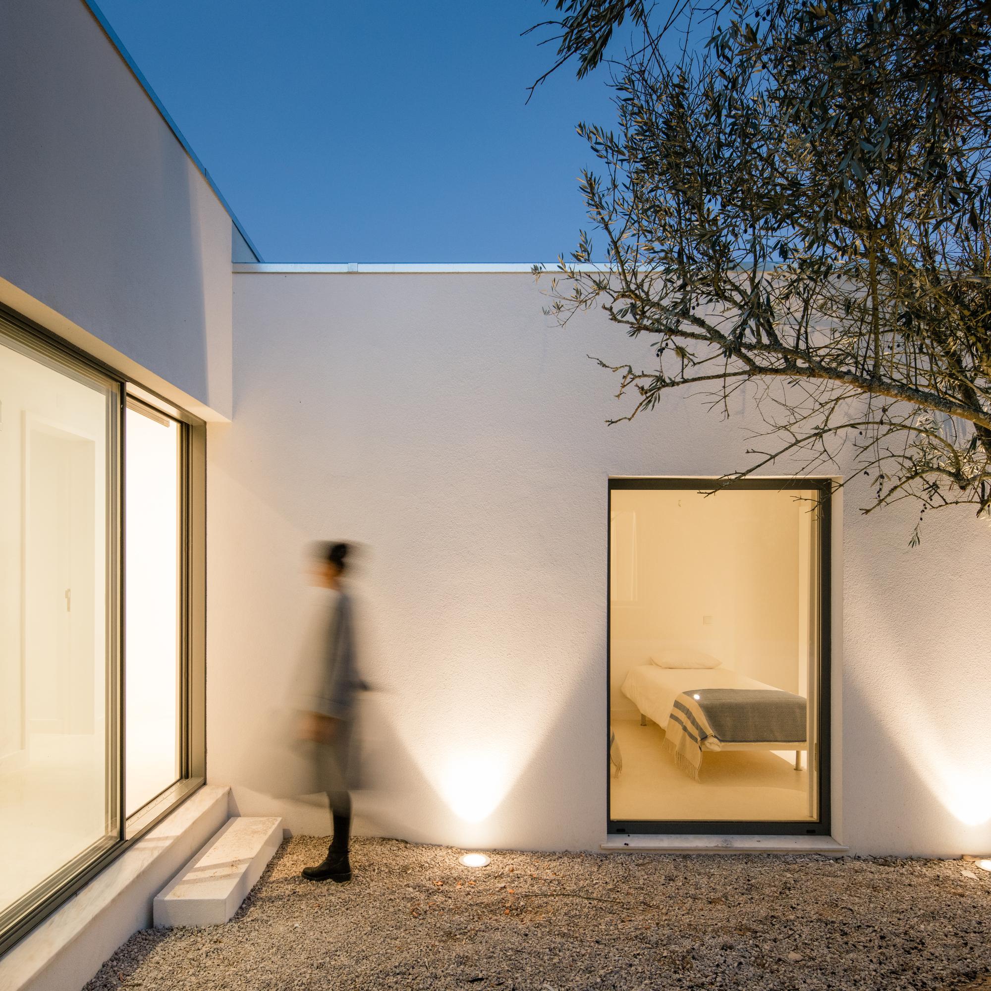 Galeria de resid ncia vinhedo blaanc 3 for Minimalistic house escape 3