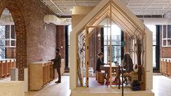 Airbnb CX Hub / Bora Architects