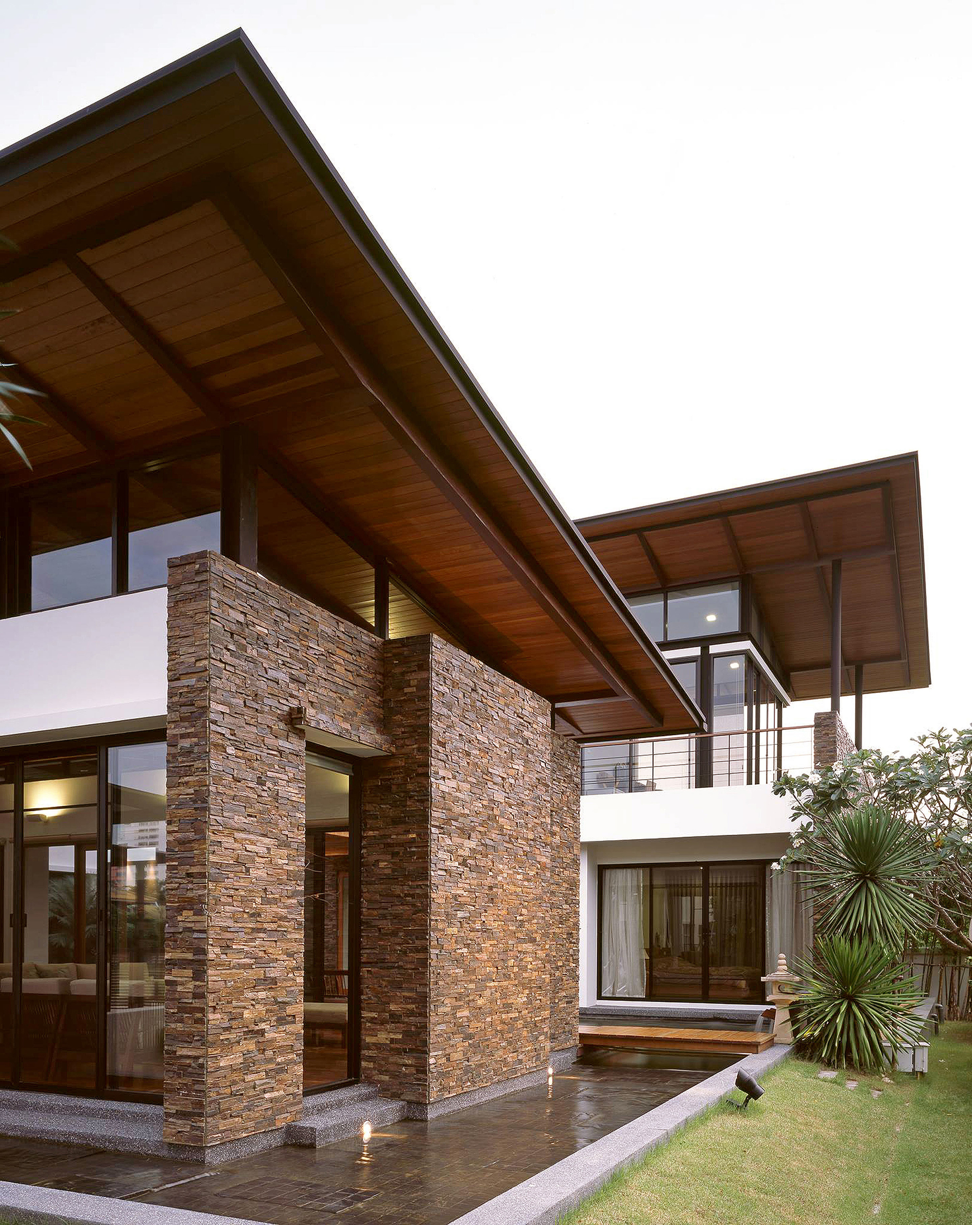 Gallery of nature house junsekino architect and design 4 for Beautiful natural houses