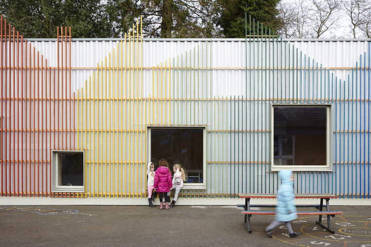 Prestwood Infant School Dining Hall /  De Rosee Sa, Courtesy of De Rosee Sa