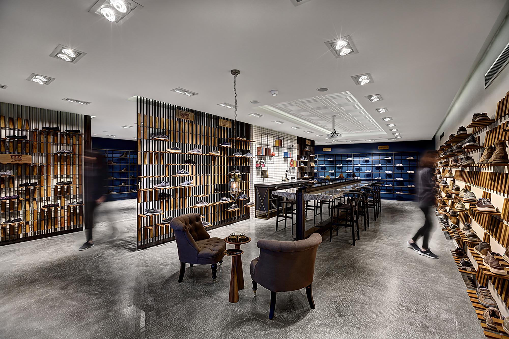Gallery Of Skechers Tr Casual Showroom Zemberek Design 1
