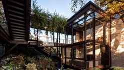 Casa no Bosque / grupoarquitectura