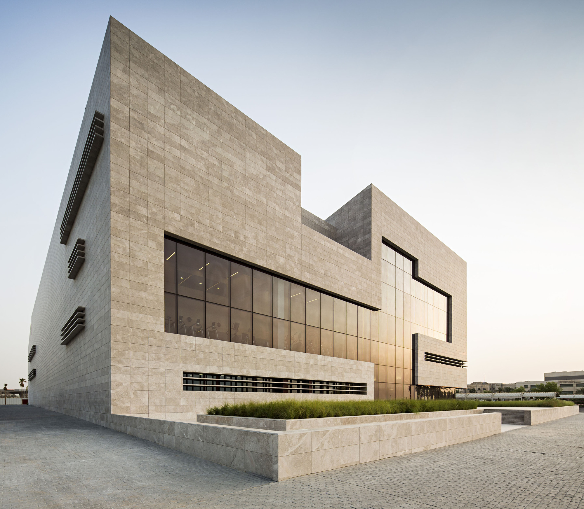 Hospital Cardiológico Hisham A. Alsager / AGi Architects