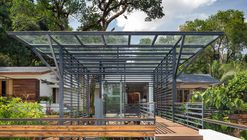 House Around a Split Level Courtyard / Rubber Soul
