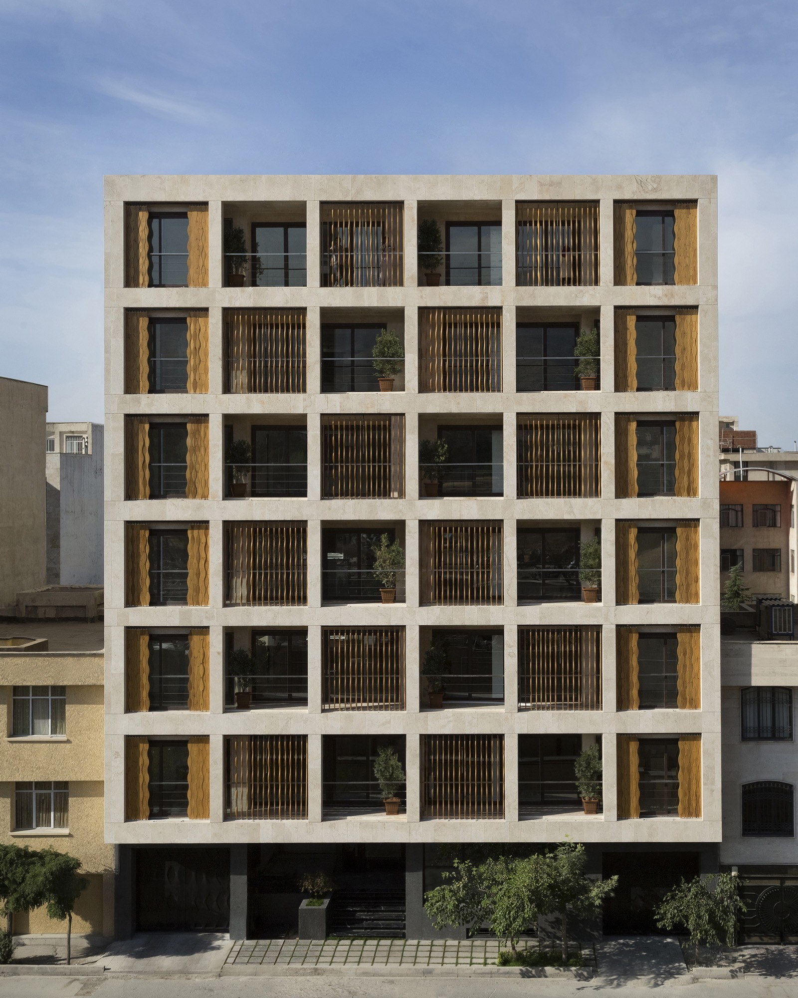 Apartment Guide Books: The SABA Apartment / Sara Kalantary + Reza Sayadian
