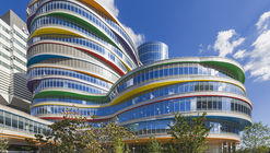 Buerger Center for Advanced Pediatric Care / Pelli Clarke Pelli Architects