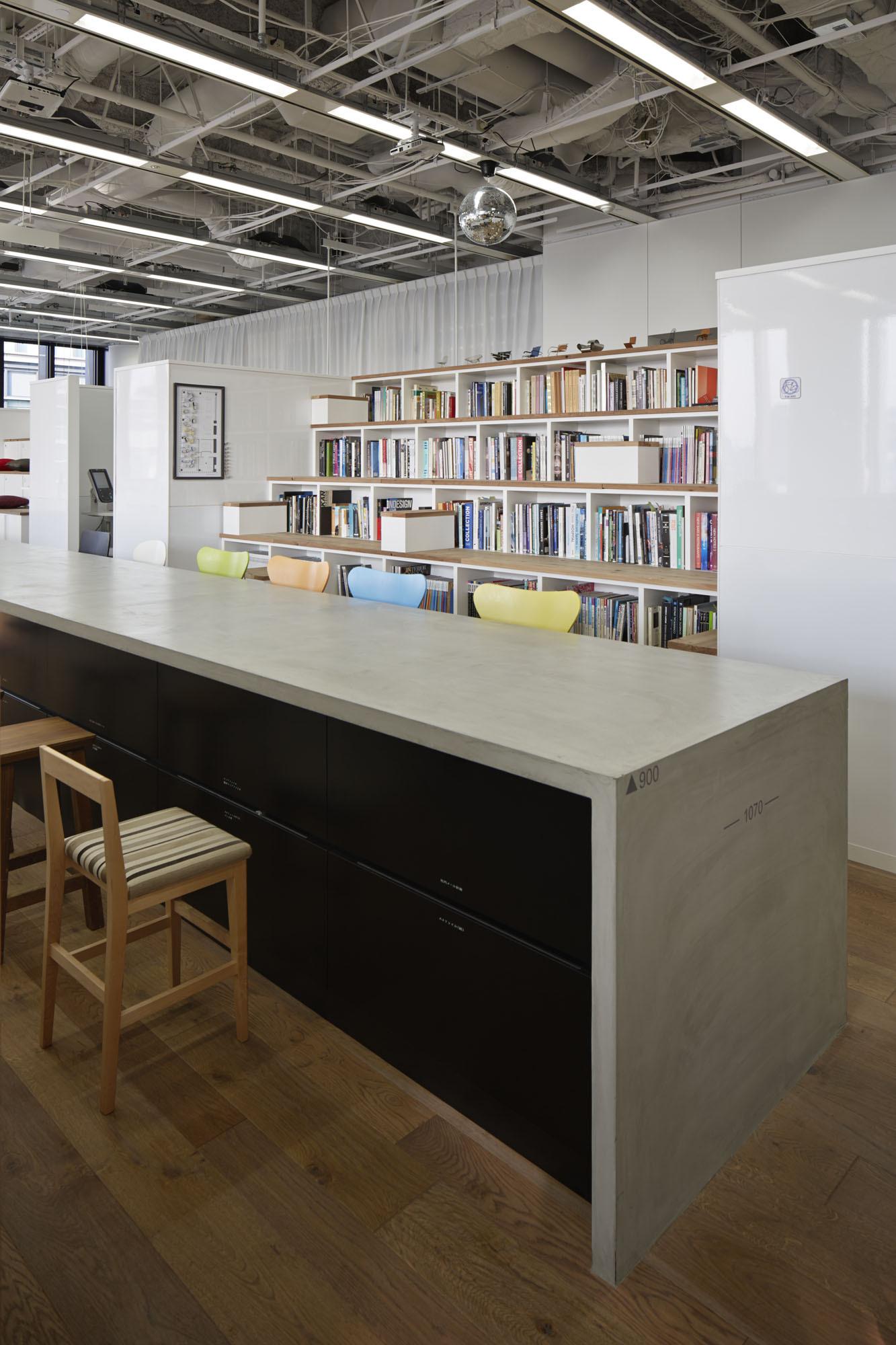 Gallery of nikken space design osaka office nikken space for Woodworks design office 9