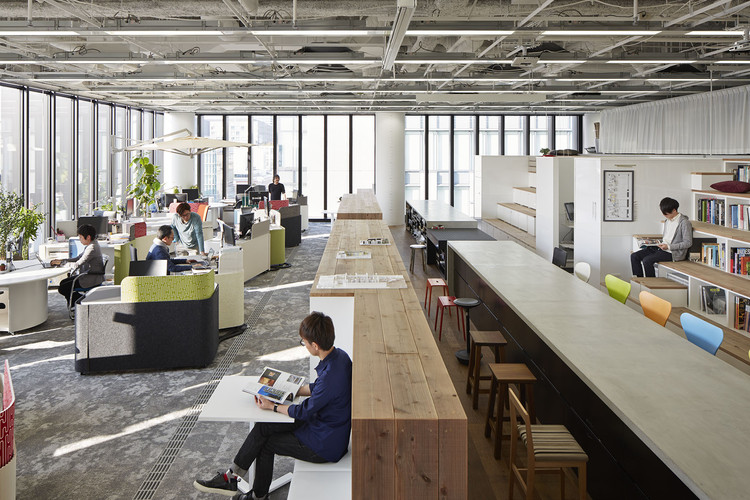 Nikken Space Design Osaka Office / Nikken Space Design, © Nacasa & Partners