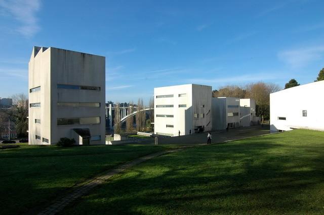 FAUP é eleita uma das 50 melhores faculdades de arquitetura da Europa, FAUP, projetada por Álvaro Siza. . Image © Forgemind ArchiMedia, via Flickr. CC