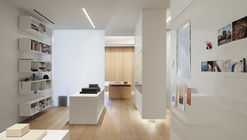 Loft para un Fotógrafo  / Desai Chia Architecture