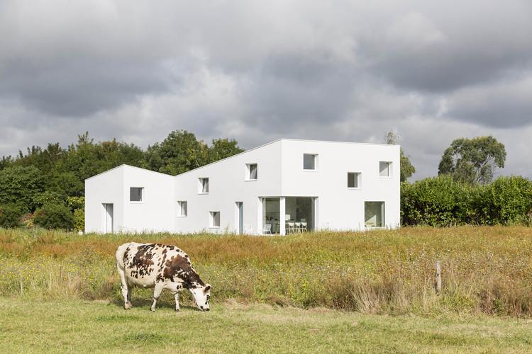 Casa para un Fotógrafo / Studio Razavi architecture, © Olivier-Martin Gambier