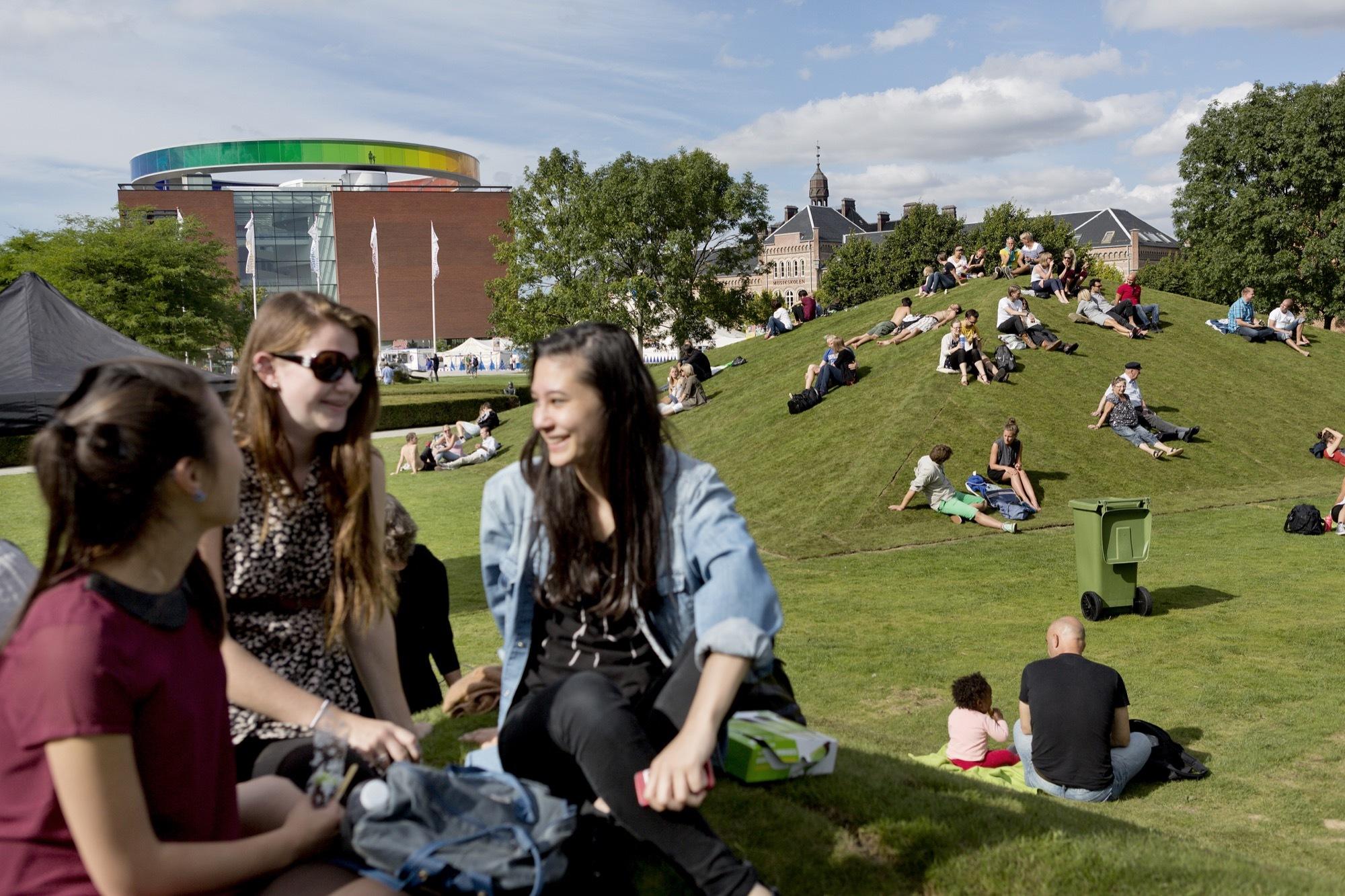 Modificando temporariamente a cidade: espaços urbanos experimentais em Aarhus, Dinamarca