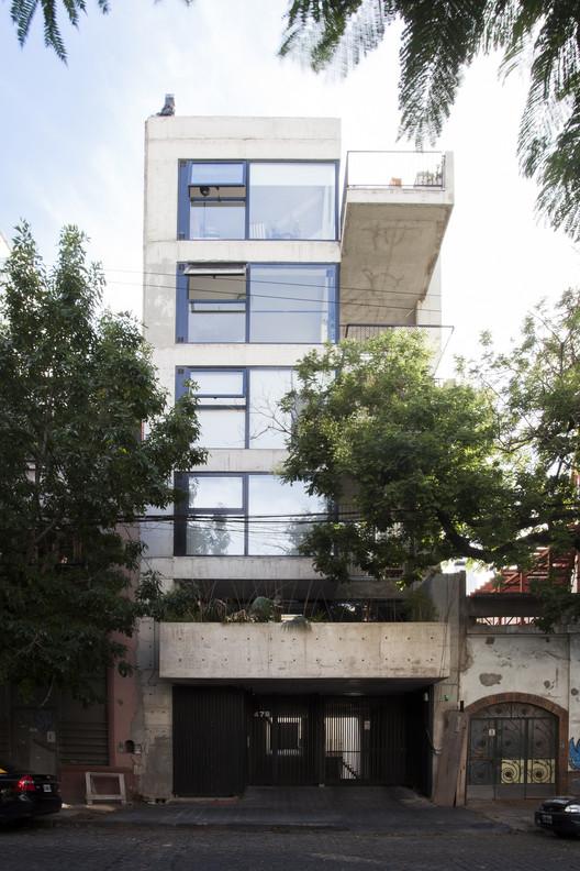 Edificio de Viviendas Jufre / MONOBLOCK, © Javier Agustín Rojas