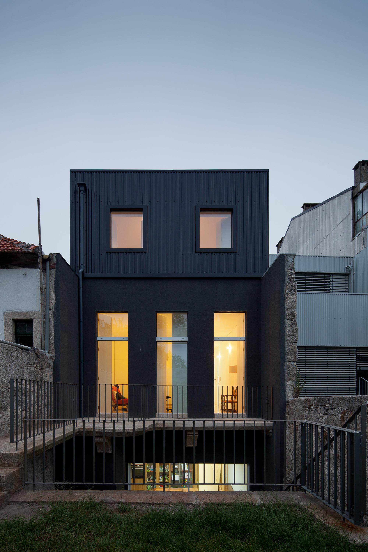 Casa Gate / Pedro Oliveira