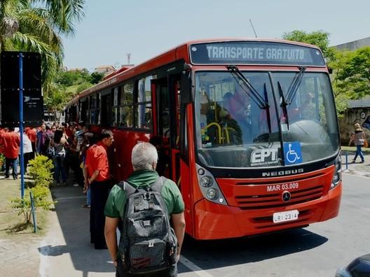 Tarifa zero no transporte público já é realidade em 12 cidades brasileiras, Maricá-RJ, primeira cidade brasileira a implementar transporte público gratuito.. Image via glbimg