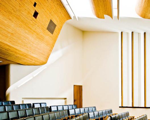 Wolfsburg Cultural Center. Image © Samuel Ludwig