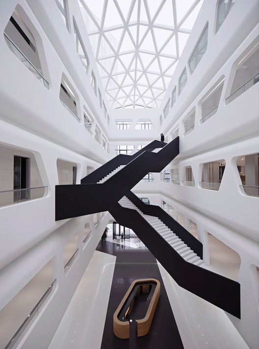 Centro Comercial / Interdesign Associates + Hugo Kohno Architect Associates, Courtesy of interdesign associates & Javier Callejas Sevilla(Courtesy of Hallucinate Design Office)