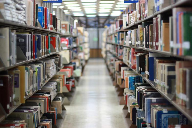 Iphan disponibiliza mais de 250 publicações sobre arquitetura, arte e patrimônio para download, © Paralela, via Flickr. CC. Used under <a href='https://creativecommons.org/licenses/by-sa/2.0/'>Creative Commons</a>