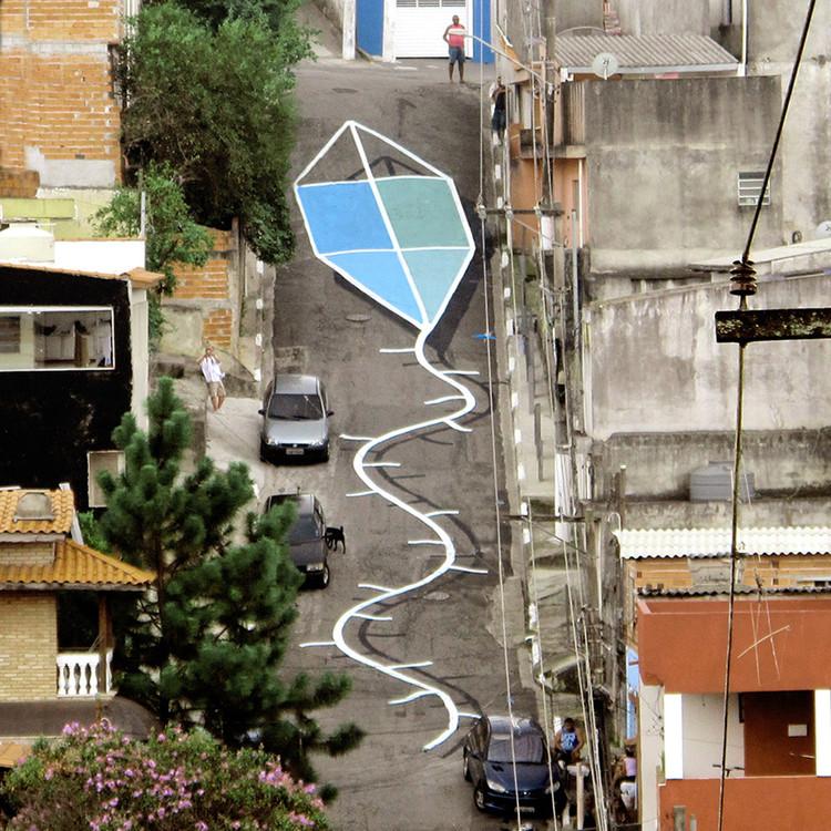 """Galeria Choque Cultural promove a exposição """"Laboratório da Cidade"""" em São Paulo, Intervenção feita pelo argentino Tec nas ruas de São Paulo. Via O Beijo"""