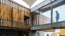 Jardines del Sur House / DX Arquitectos