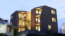 Between Trees / Tailored design Lab