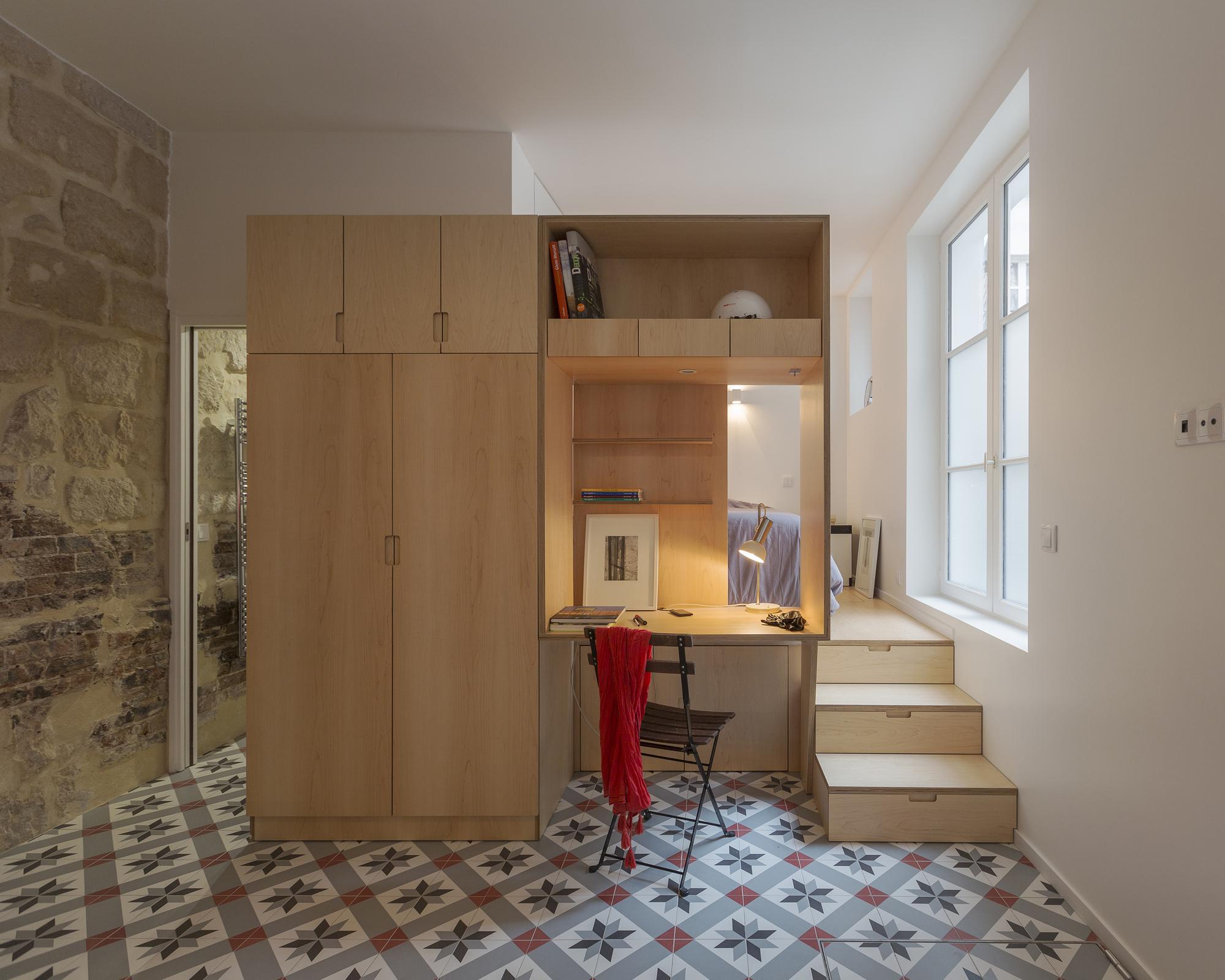 brick studio apartment.  Studio Li Anne Rolland Architecte ArchDaily