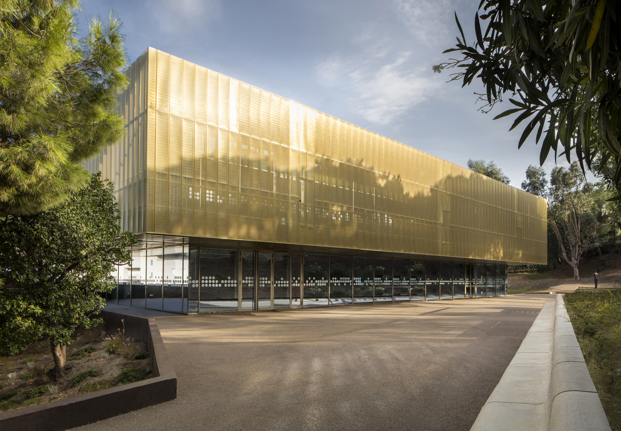 centro cultural alb 39 oru devaux devaux architectes atel 39 erarchitecture archdaily brasil. Black Bedroom Furniture Sets. Home Design Ideas