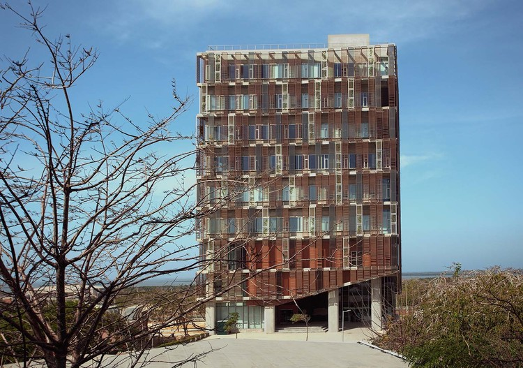 Edificio Multipropósito / OPUS, © Juliana Gómez