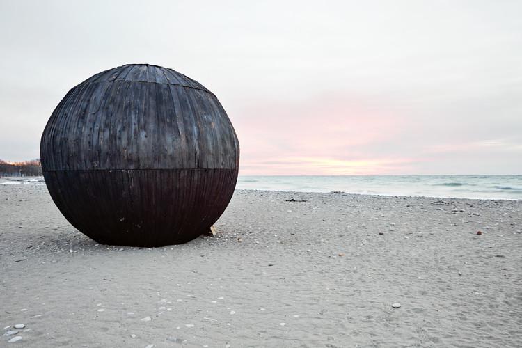 Conoce las 'estaciones de invierno' que están poblando las playas de Toronto, In the Belly of a Bear. Imagen © Ben Rahn/A-Frame Studio