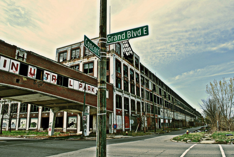 Detroit Resists Criticizes Ambition of US Pavilion at Venice Biennale , Packard Plant Detroit. Image © 2010 JVLIVS Photography, licensed under CC BY-NC-ND 2.0