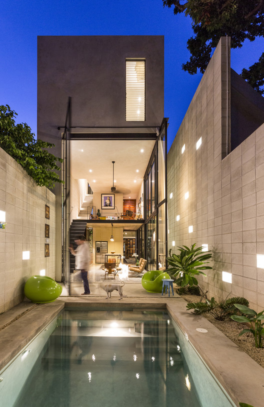 Naked House  / Taller Estilo Arquitectura, © David Cervera