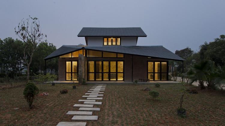 Casa con techo plegado / TOOB STUDIO, © Lê Anh Đức