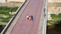 Intervención urbana en el Pont de Pedra recuerda el vecino Pont de Ferro de Gustave Eiffel