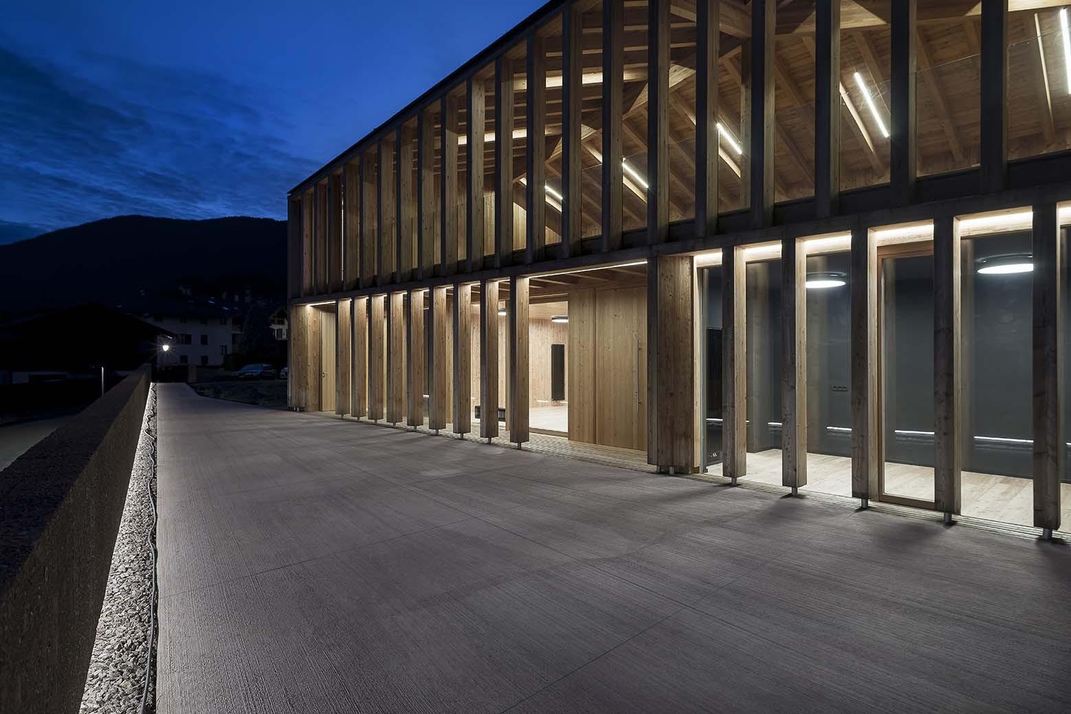 Gallery of new social home of caltron mirko franzoso 11 for Case di architettura e design