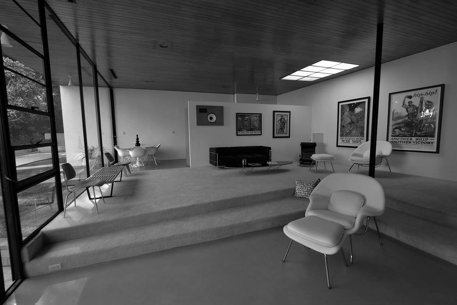 Gallery of A Virtual Look Into Eames and Saarinen's Case