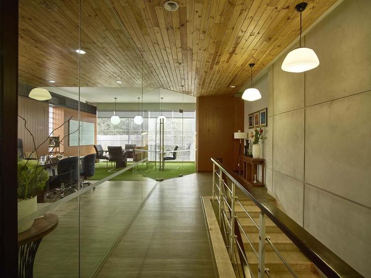 Office In Jalan Sunda Dinardithen Studio Bandung Archdaily