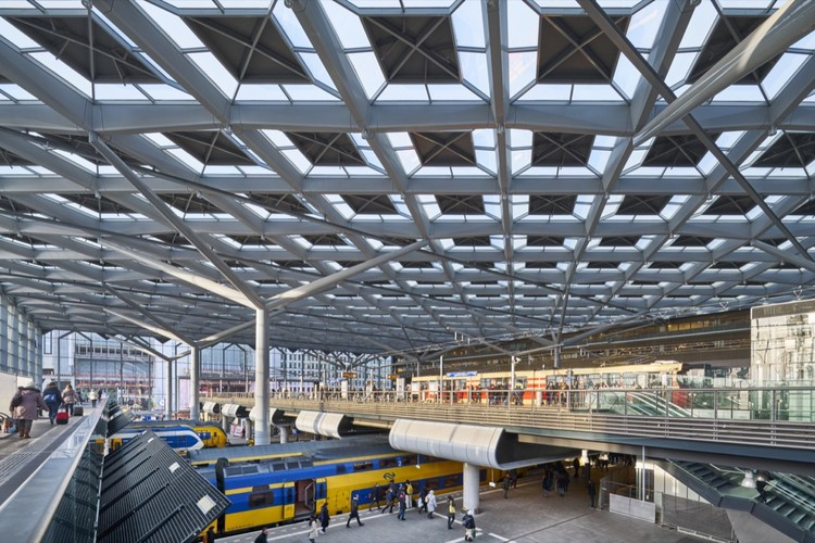 Estación Central de La Haya /  Benthem Crouwel Architects, Courtesy of Jannes Linders