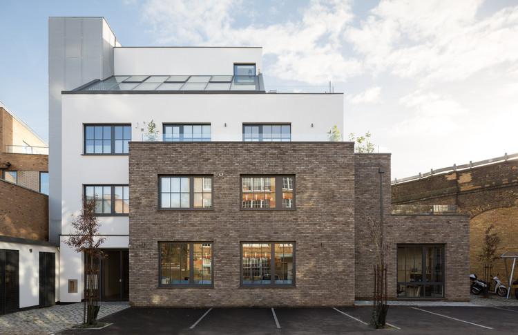 Koops Mill / Mark Fairhurst Architects, © Adam-Scott