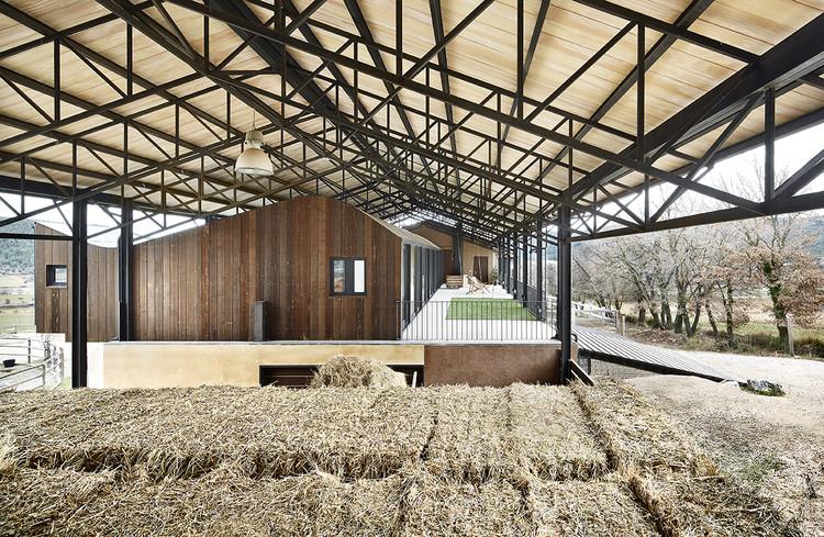 """""""La Llena"""" Equestrian Center / Vicente Sarrablo + Jaume Colom, © José Hevia"""