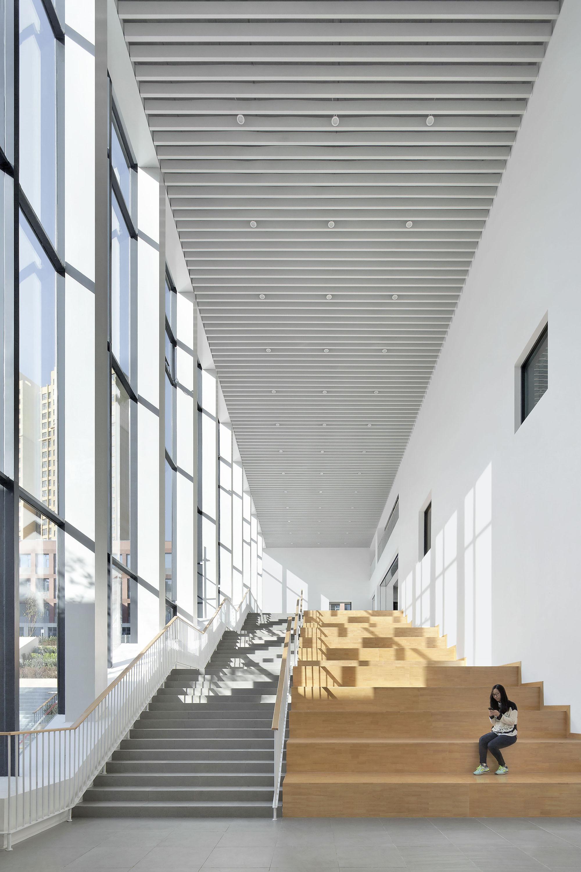 Gallery Of School With An Open Space / Beijing Institute