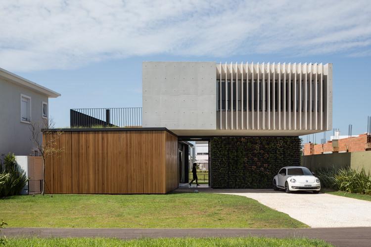 Casa Enseada / Arquitetura Nacional, © Marcelo Donadussi