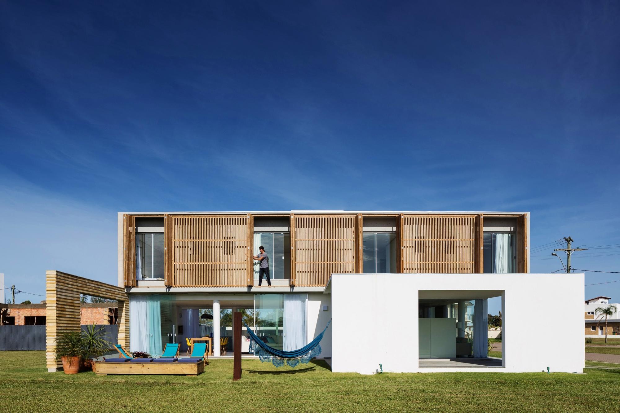 Casa22 hola arquitetura archdaily for Design house architecture hamilton