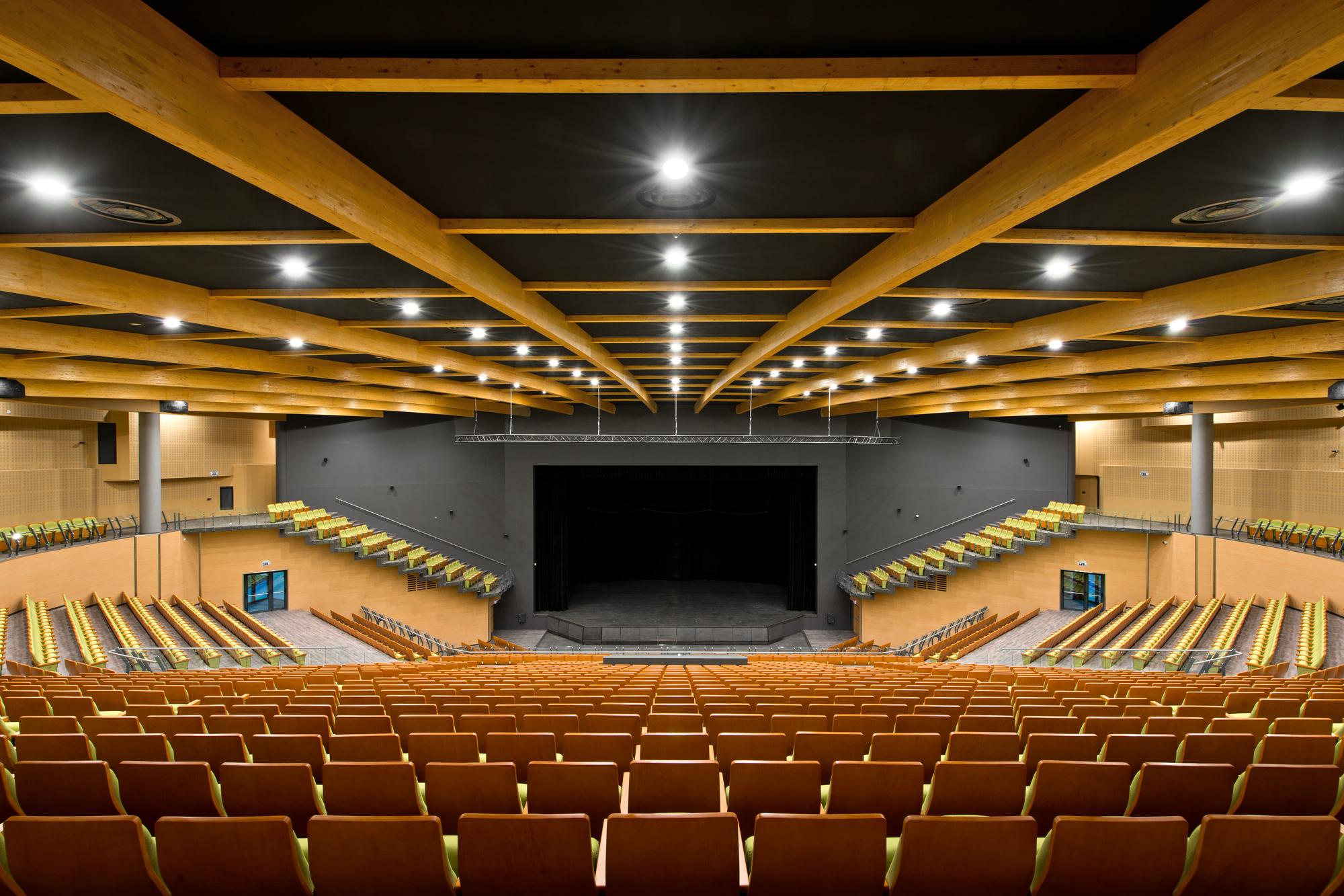 Gallery of Palanga Concert Hall / Uostamiescio projektas - 2