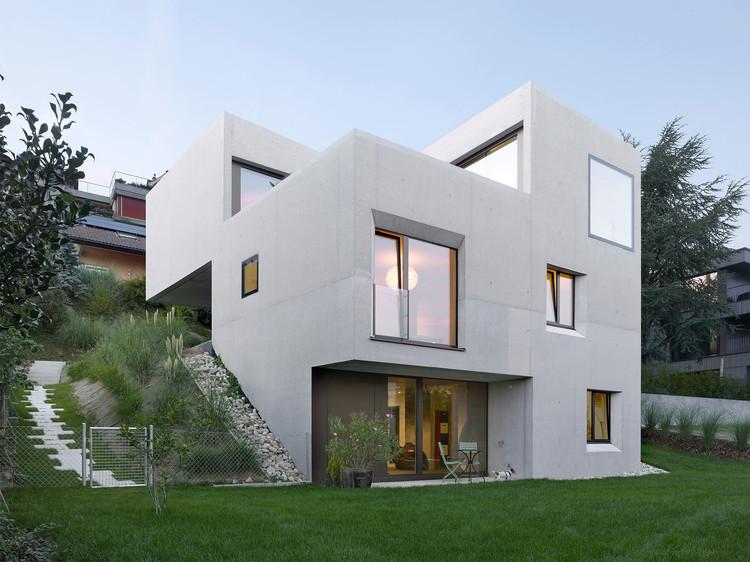 Villa SAH à Neuchâtel  / Andrea Pelati Architecte, © Thomas Jantscher