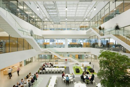 Reaccomodation GustoMSC Schiedam  / JHK Architecten