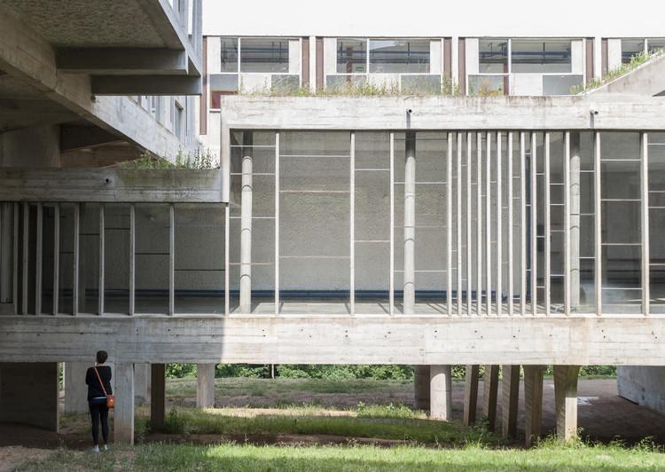 Ad classics convent of la tourette le corbuiser archdaily for Villa maria college interior design