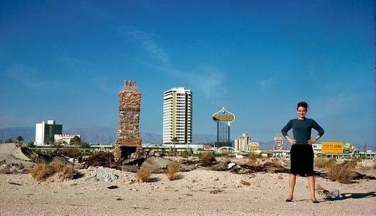 Denise Scott Brown in Las Vegas in 1966. Image © Robert Venturi