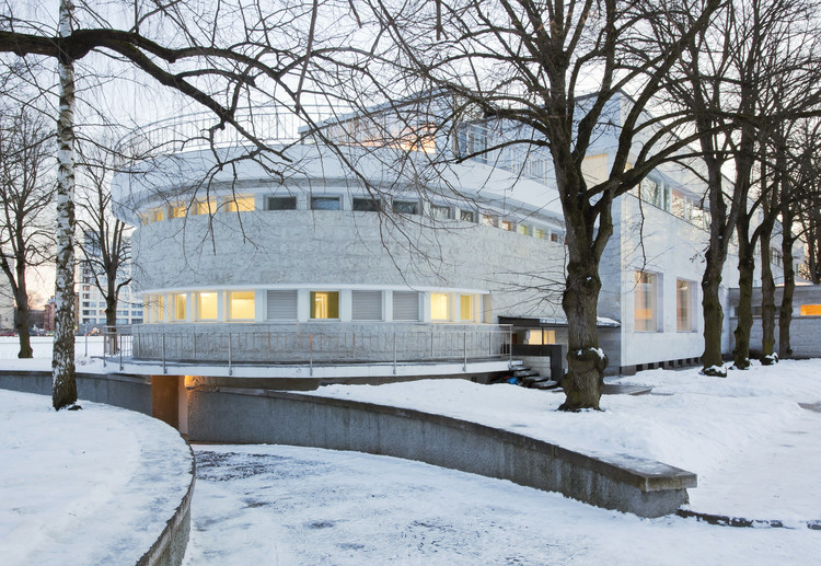 "How a Soviet Governmental Residence, the K-2 Dacha, Became a ""Manifestation of the Finnish Dream"", The K-2 Dacha, St. Petersburg. Image © Egor Rogalev"