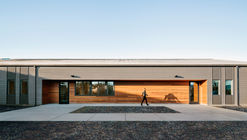 Lamprich Center  / Alexander Jermyn Architecture
